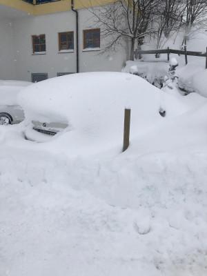 In Hinterglemm liegen wie im ganzen Salzburger Land Massen an Schnee. Der Schneefall hält auch am Sonntag noch an.