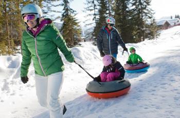 Snowtubing ist ein riesiger Spaß für Groß und Klein!