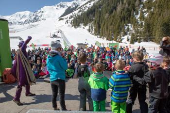 Am Sonntag ist das Kinderprogramm von ORF eins in Hochfügen zu Gast.