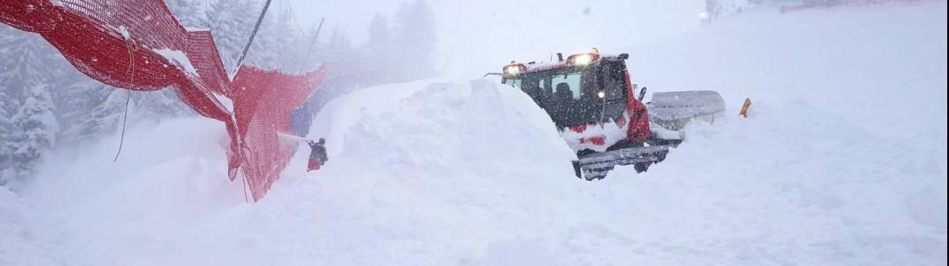 Fast rund um die Uhr wurde gegen die Schneemassen gekämpft.