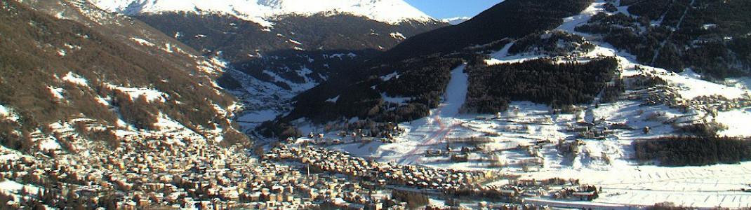 Die Pista Stelvio endet direkt am Ortsrand von Bormio, wie man gut auf dieser Webcam erkennen kann.