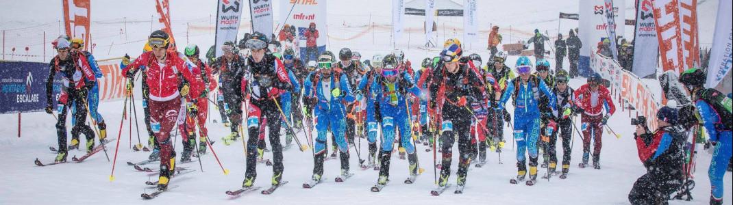 Gestartet wird beim Skibergsteigen gleichzeitig in Form eines Massenstarts.