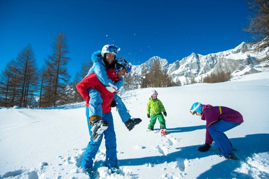skifahren an ostern skigebiete test magazin. Black Bedroom Furniture Sets. Home Design Ideas