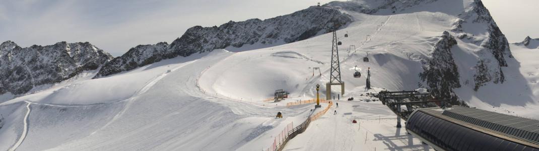 Über 20 Pistenkilometer sind bereits in Sölden in Tirol geöffnet.
