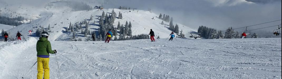 Auf eine erfolgreiche Wintersaison trotz Corona hoffen die Skigebietsbetreiber in Bayern.