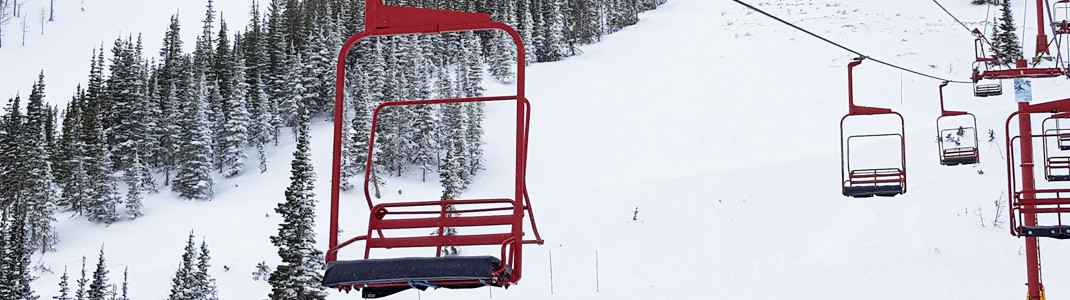 Der Tamarack Chair im Castle Mountain Resort, Westcastle Valley, Alberta, Kanada