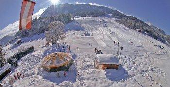 Entspanntes Skivergnügen auf fast leeren Pisten erwartet die Wintersportler in Mitterland.