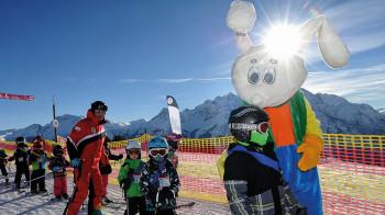 Ob Kinderhort, Kinderland oder Skiunterricht inklusive Mittagsbetreuung, in Scuol sind die Kleinen bestens aufgehoben.