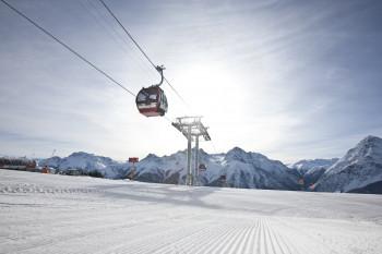 Breite Pisten und entsprechende Schutzmaßnahmen sorgen im Winter 2020/2021 für ein sicheres Gefühl im Skiurlaub.