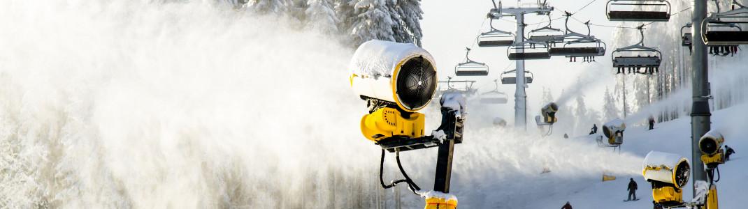 Ohne geht's nicht: Das Beschneiungssystem im Sauerland wird stetig ausgebaut.