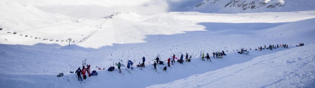 Trainingsgruppen sind im Herbst schon immer zahlreich am Schnalstaler Gletscher zu Gast. Ab Sonntag dürfen allerdings nur noch Athleten dort trainieren, die noch im laufenden Jahr an Wettkämpfen teilnehmen.