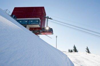Die Bergstation im Skigebiet Meran 2000.