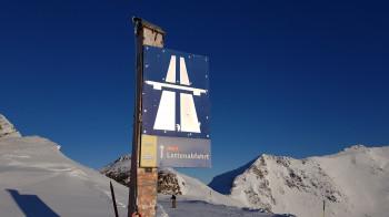 Die Lattenabfahrt ist mit 8 km die längste Piste im Skigebiet.