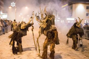 Gruselig wird es beim legendären Krampuslauf am zweiten Dezemberwochende.