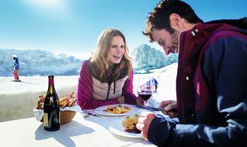 Perfekte Pisten und kulinarischer Genuss - das ist Skifahren in Südtirol.