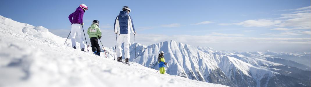 Die Skigebiete rund um Bozen und Brixen eignen sich perfekt für einen Familienurlaub.