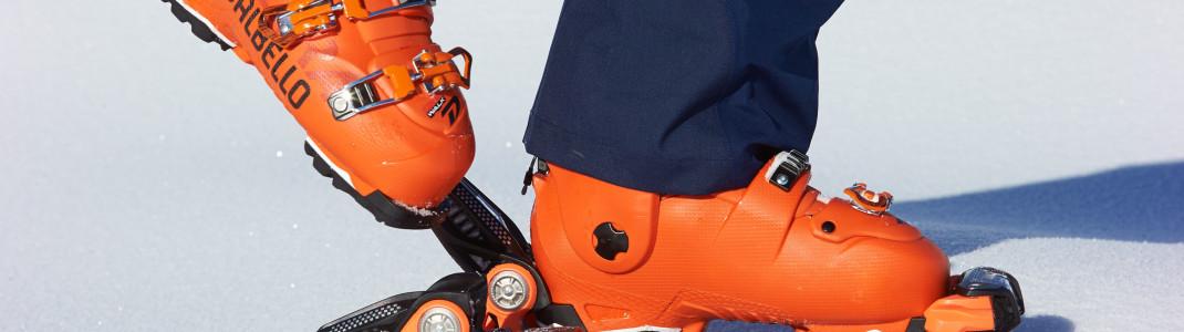 Dank abgerundeter GripWalk-Sohle wird das Gehen mit Skischuhen deutlich erleichtert.