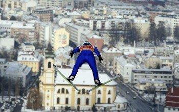 Mitten in der Stadt befindet sich die Sprungschanze in Innsbruck.