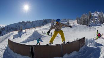 Fünf Snowparks sorgen im Ski Juwel Alpbachtal Wildschönau für Spaß und Action.