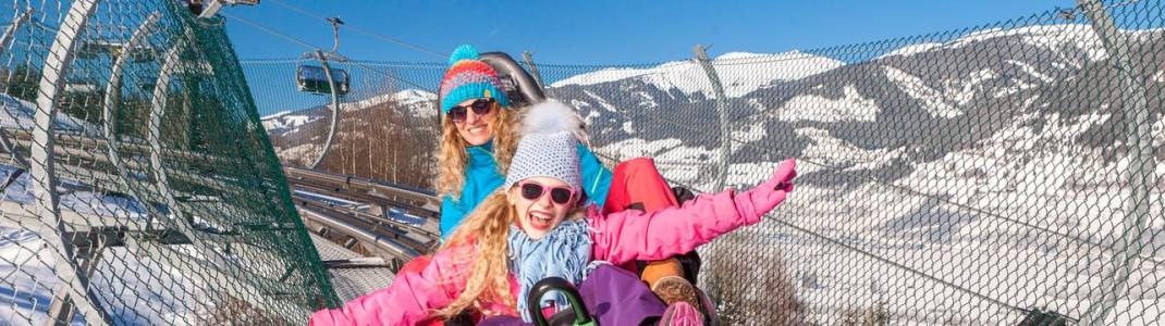 """Im spektakulären Alpine Coaster """"Lauser Sauser"""" rast du mit bis zu 42 km/h ins Tal."""