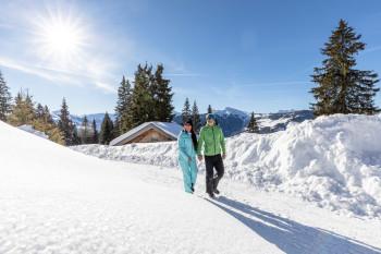 Auf vier ausgeschilderten Winterwanderwegen kannst du das Ski Juwel abseits der Pisten erkunden.