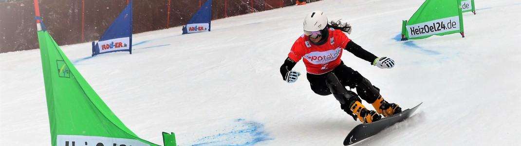 Durch den alpinen Slalomkurs schlängeln sich die Athleten zum Saisonfinale in Winterberg.