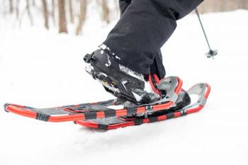 Snowshoes must fit tightly and securely.