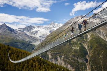 Die längste Hängebrücke der Welt befindet sich auf dem Europaweg zwischen Grächen und Zermatt.