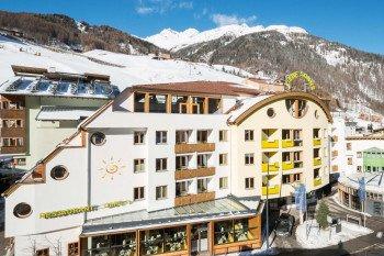 Weil das Hotel Liebe Sonne in Sölden direkt an der Talstation der Giggijochbahn liegt, beginnt der Pistenspaß hier direkt vor der Tür.