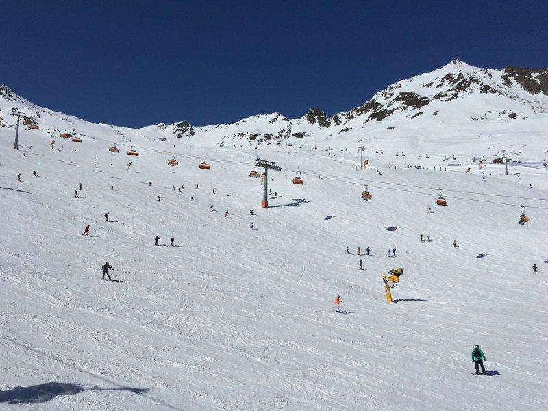 Die Pisten zwischen Giggijoch und Rotkogljoch sind auch für weniger geübte Skifahrer geeignet und bieten auch im Frühling noch hervorragende Bedingungen.