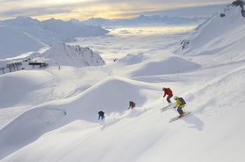 St. Anton hat für Skifahrer sowohl auf als auch abseits der Piste jede Menge zu bieten.