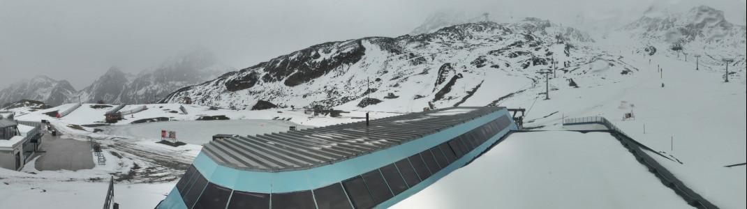 Starker Wind, Schnee und Regen bestimmten das Wetter am Freitag am Stubaier Gletscher.