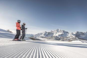 Atemberaubende Ausblicke erwarten dich im Skigebiet 3 Zinnen Dolomiten.