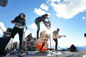Zehn Bands erwarten dich beim Rock the Dolomites Festival.