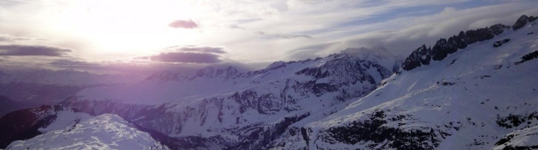 Wunderschöner Blick auf das untere Ende des Aletschgletschers, dem längsten Gletscher der Alpen!