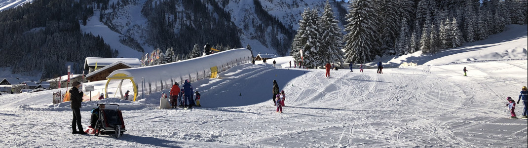 In Bobos Kinder Club lernen die Kids das ABC des Wintersports.