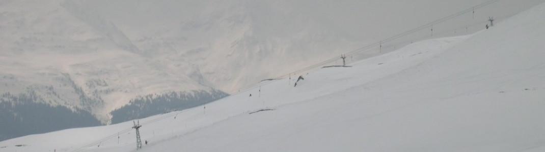 Wen Schlepplifte nicht stören, der findet im oberen Teil des Skigebietes viele rote Carving Pisten