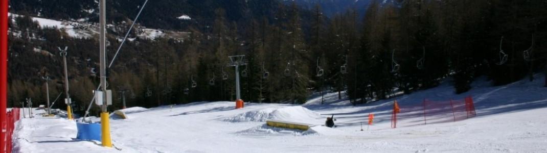Blick auf den Snowpark neben dem Cristelin- Sessellift!
