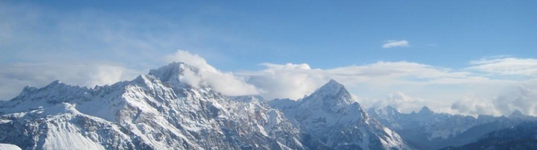 Panorama von der Bergstation des Sessellifts Duca D'Aosta - Pomedes!