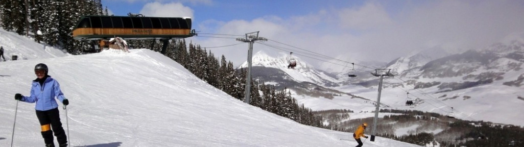 Vom Paradise Express Lift führen zahlreiche mittelschwere (in USA blau markierte) Abfahrten ins Tal.