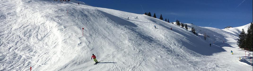 Dank vieler Sesselbahnen muss man seine Skier nur ganz selten abschnallen.