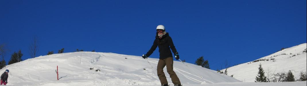 Die blau markierte Piste 14 ist sehr breit und eignet sich somit gut für Skianfänger