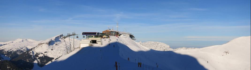 Ausblick auf einen der insgesamt sechs Sessellifte im Skigebiet