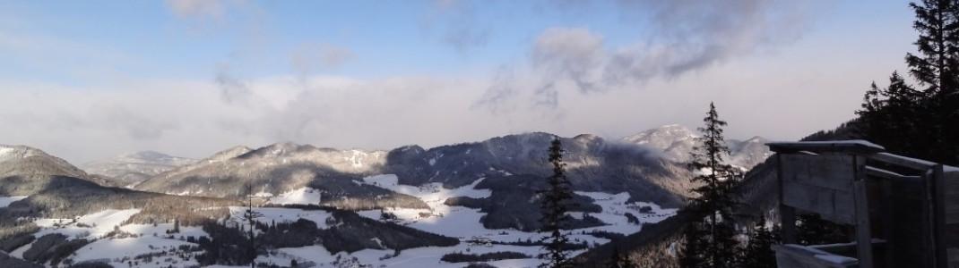 Schöne Aussichten an der Bergstation der Grebenzenbahn