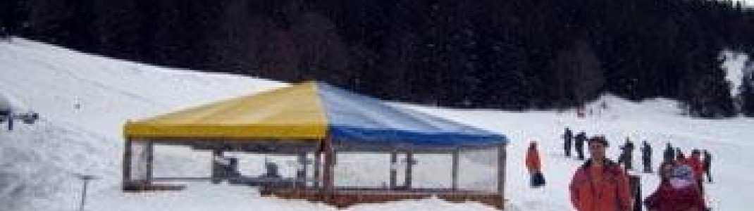 Der klassische Apres Ski Schirm darf auch hier nicht fehlen
