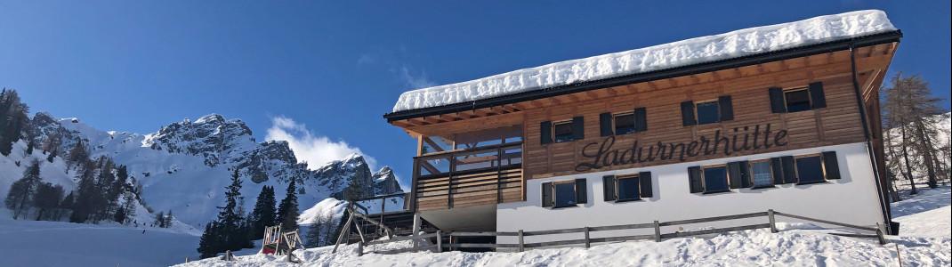 "Die Ladurner Hütte liegt direkt oberhalb der Bergstation des Sessellifts ""Ladurns I""."