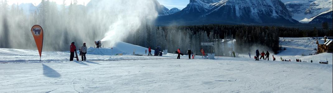 Skischulen, Übungsgelände und Tagesbetreuung gibt es in Lake Louise direkt an der Talstation