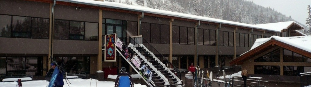 Restaurant an den Talstationen in Loveland Basin