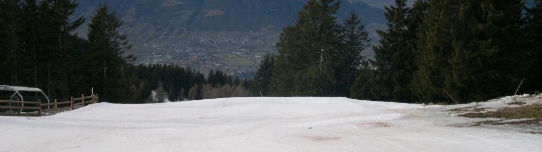 An der Bergstation Pfiffing-Sessellift - mit Blick nach Meran!