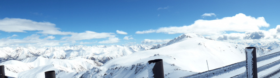 Panoramablick vom Gipfel des Mt Hutt.
